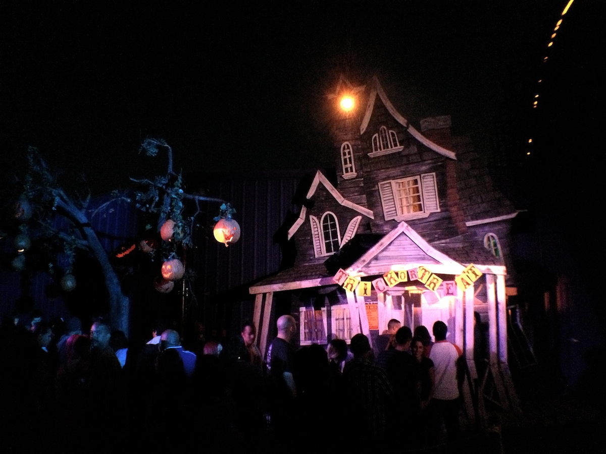 knotts scary farm 2012 review - Farm Halloween