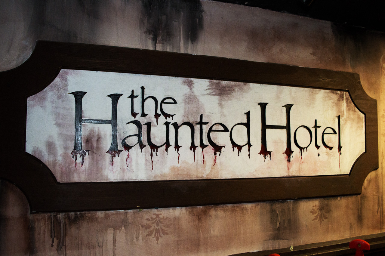 A San Diego Comic-Con Look at The Haunted Hotel | GamingShogun